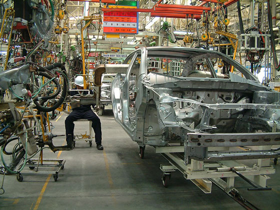 auto manufacturing assembly line