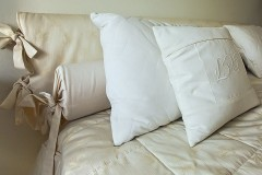 hotel bed linens
