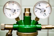 a gas manometer and pressure reducer